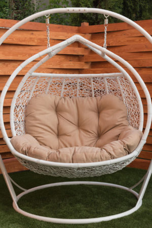 Большое белое подвесное кресло качеля Галант