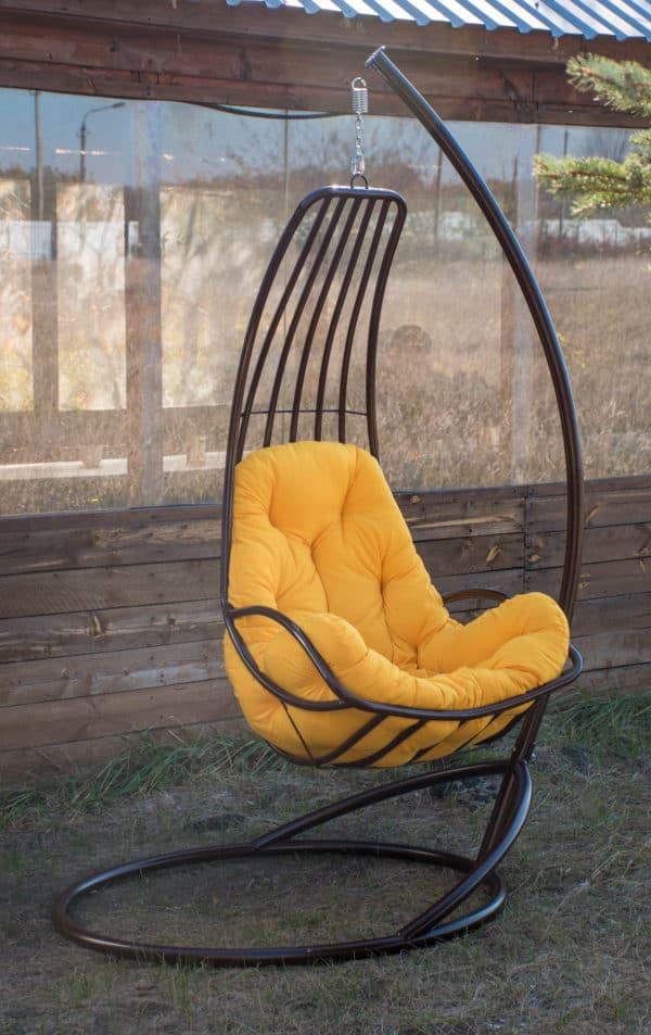 кресло гамак возле беседки