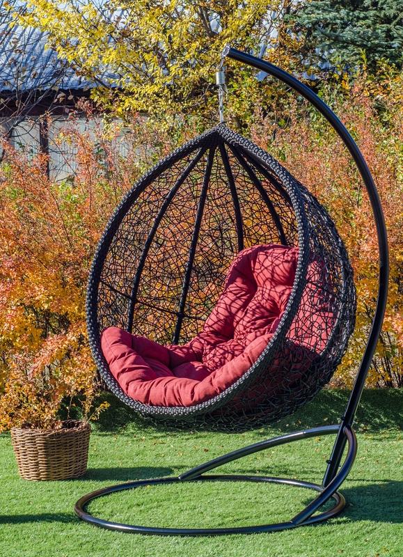 Подвесное кресло кокон Веста чёрная с красным