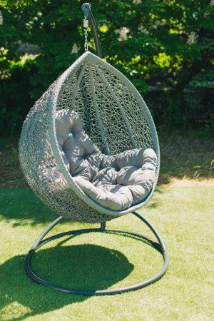 Серое подвесное кресло Веста с серой подушкой