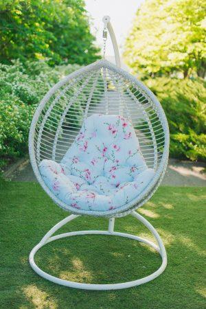 крісло кокон з ротангу від ЮМК