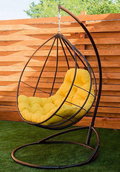 Подвесное кресло кокон Адель коричневое с жёлтой подушкой