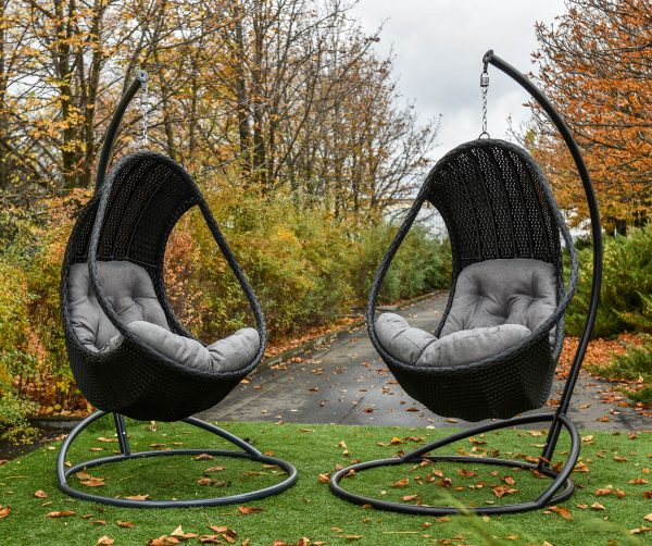 Подвесные кресла ЮМК Комфорт Люкс серого цвета с подушками