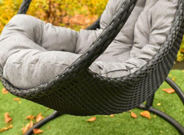 Плетение ротангом на кресле гамаке Комфорт Люкс от ЮМК