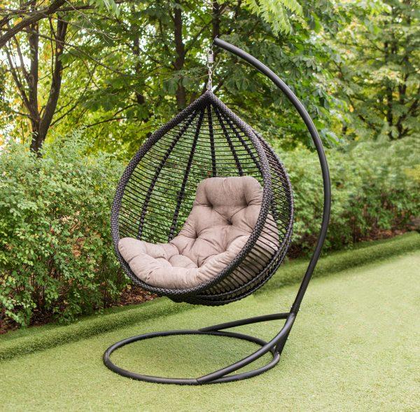 чорне крісло кокон Кит з сірою подушкою