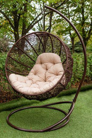 коричневое кресло качель ротанговое фиеста