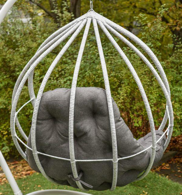 кресло подвесное из качественного ротанга