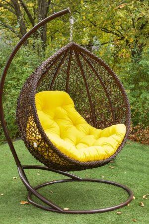 Подвесное кресло Веста ЮМК шоколад с жёлтой подушкой