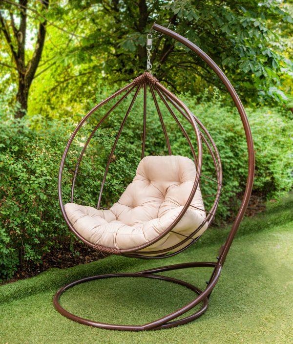 подвесное кресло в круглой форме шара