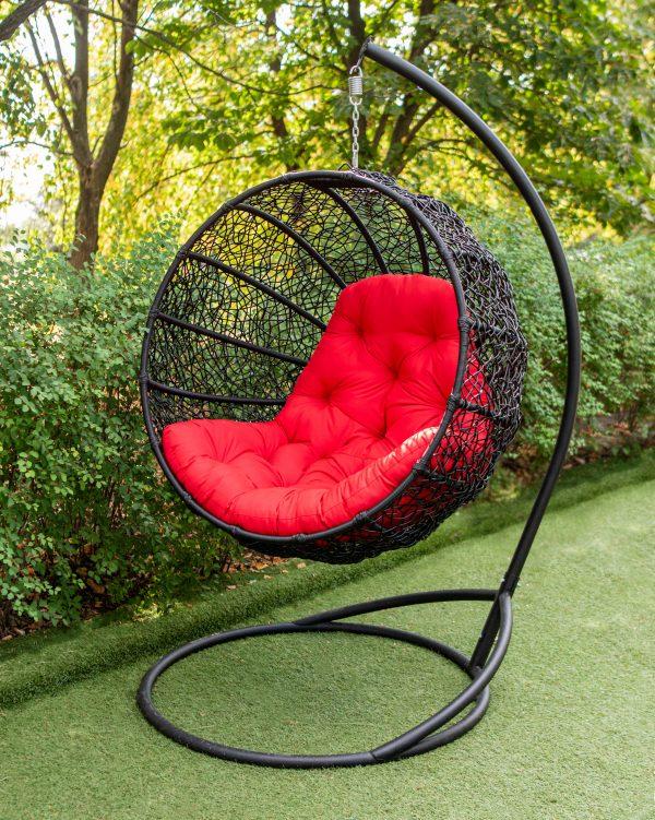 круглое кресло на стальной опоре