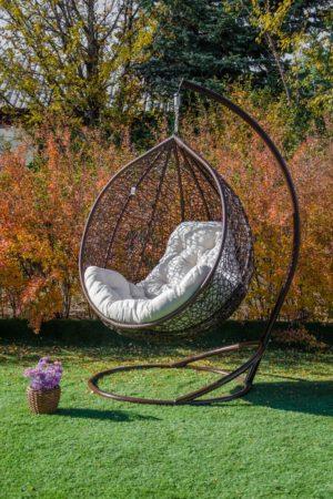 кресло кокон Эмилия коричневое с подушкой шампань