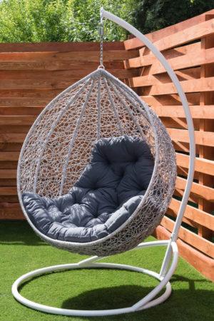 подвесное кресло кокон берёза с серой подушкой