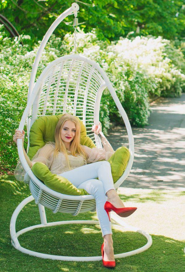 Подвесное кресло Коомфорт люкс белое с подушкой горчица