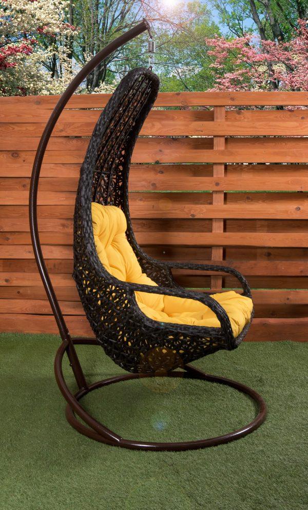 Необычное подвесное кресло качалка