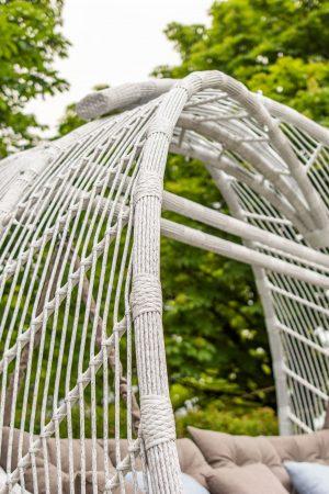 большие садовые качели из ротанга Мароу в цвете берёза