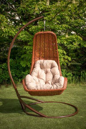 кресло качалка на стойке из ротанга Багама