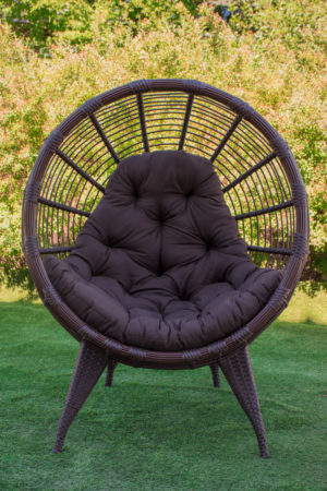 кресло в сад коричневое