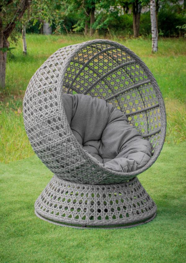 вращающееся круглое кресло с плетением ротангом