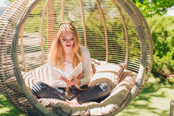 Огромное подвесное кресло Арена биг в бежевом цвете