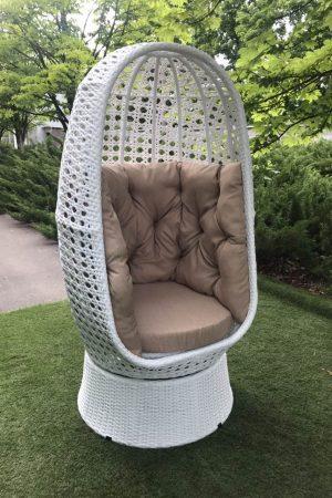 Поворотное кресло кокон из ротанга Аспекту