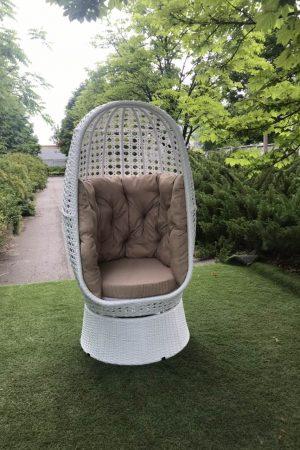 Кресло Аспекту в белом цвете из ротанга