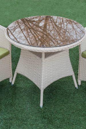 плетёный столик и кресла для улицы