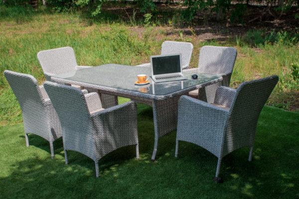 мебель в сад на природе