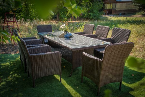 Комплект мебели с большим столом коричневый