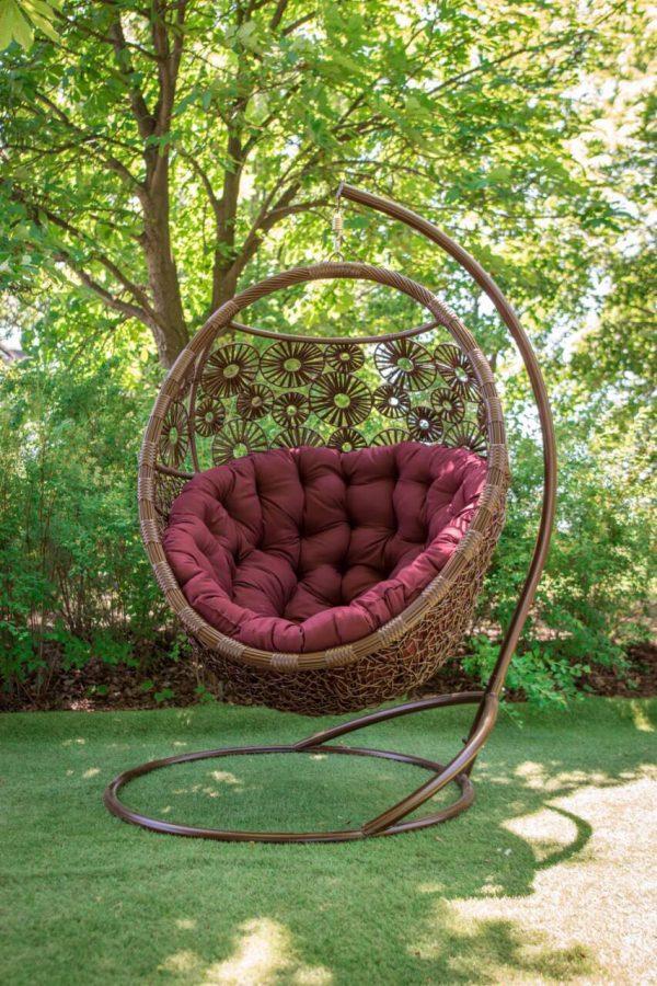 Брованс коричневый и подушка бордо