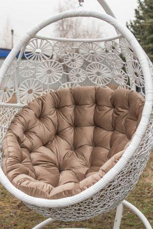 Кресло кокон Пованс белого цвета с велюром