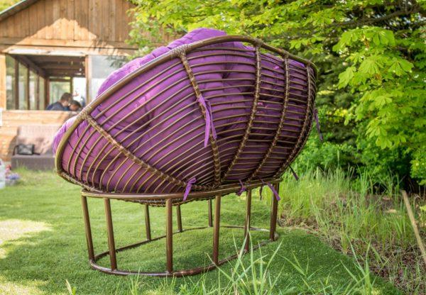 Диван металлический в лофт стиле с плетением