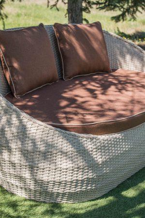 Качественный диван для сада и улицы искусственный ротанг