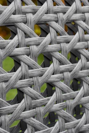 плетение ротангом серого цвета