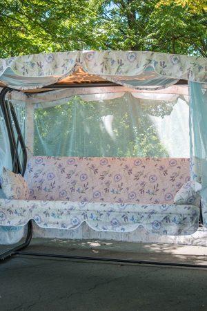 Садовая качеля лаванда с москитной сеткой