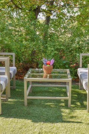 Практичная и удобная мебель из стали
