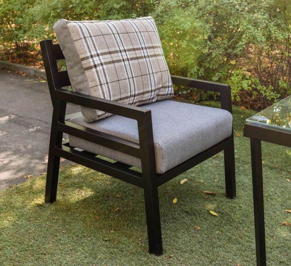 Кресло из металла в лофт стиле с мягким сиденьем