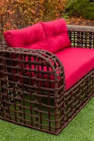 Плетёный диван с быльцами