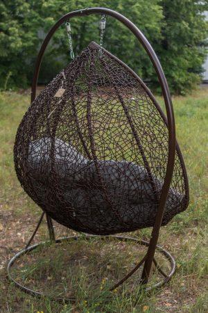 Кресло качеля из ротанга