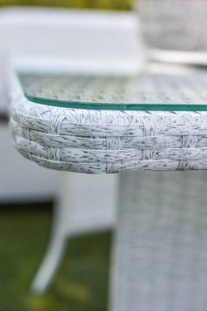 плетёный стол из ротанга со стеклом