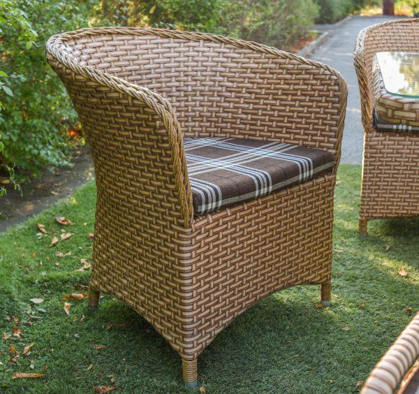 Плетёное кресло из ротанго по лучшей цене