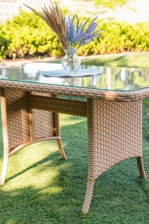 стіл плетений з штучного ротангу зі склом