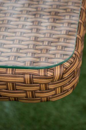 плетение на столе