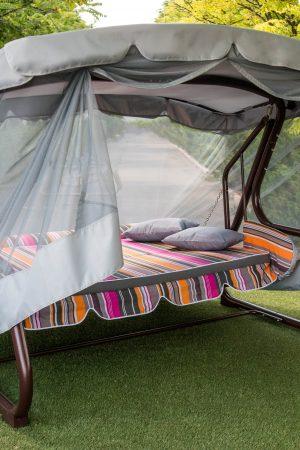 Качеля-кровать для отдыха на улице