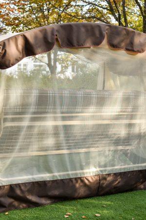 Москитная сетка на качелях