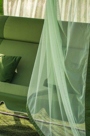 сиденье с подголовником на качеле