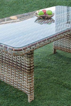 Стол плетёный из искусственного ротанга