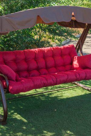Качели от производителя с красным сиденьем