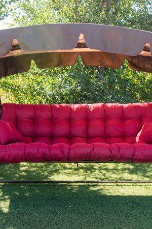 Качели Этно с красным сиденьем