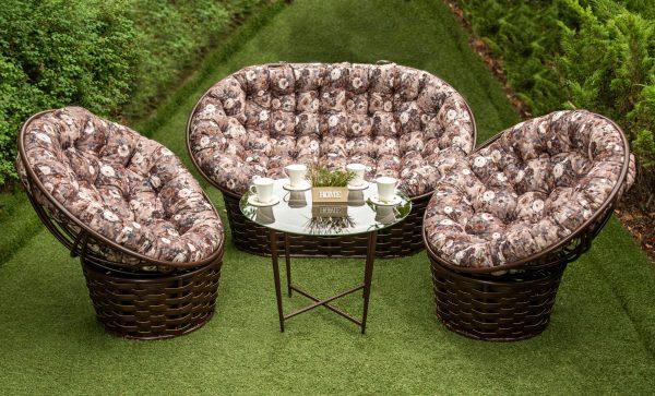 диван кресла и столик в сад