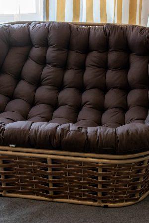 Красивый диван в Лофт стиле